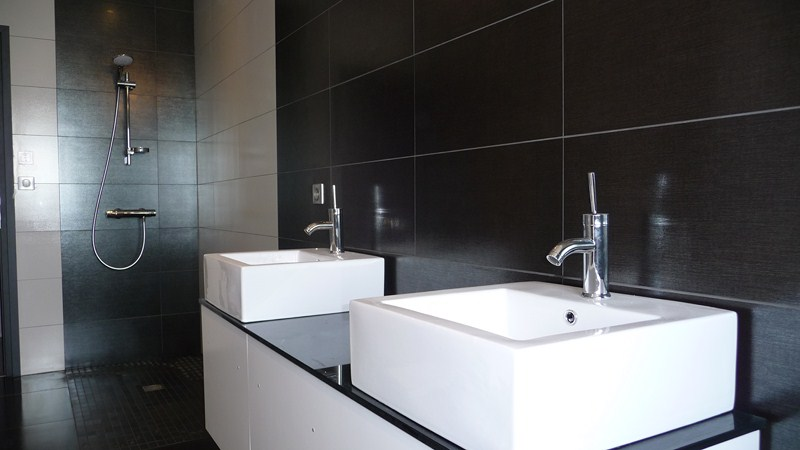 Exemple carrelage salle de bain with exemple carrelage for Exemple de salle de bain carrelee
